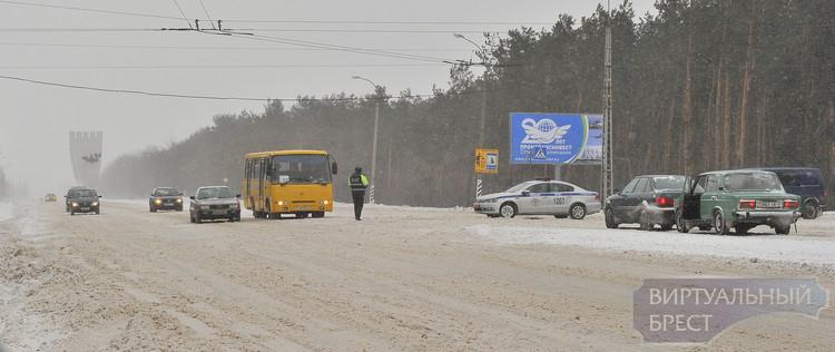 Закрыто движение по М1 в Бресте от областной больницы до Федьковичей