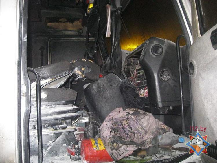 В Пинске горел грузовой МАЗ