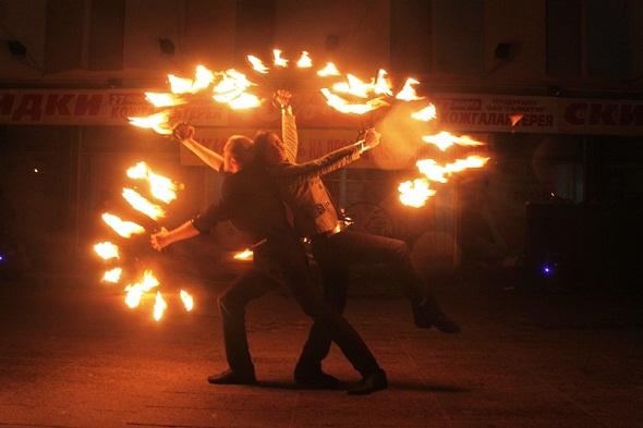 """Брестчане отметили """"Час Земли"""" огненным шоу"""