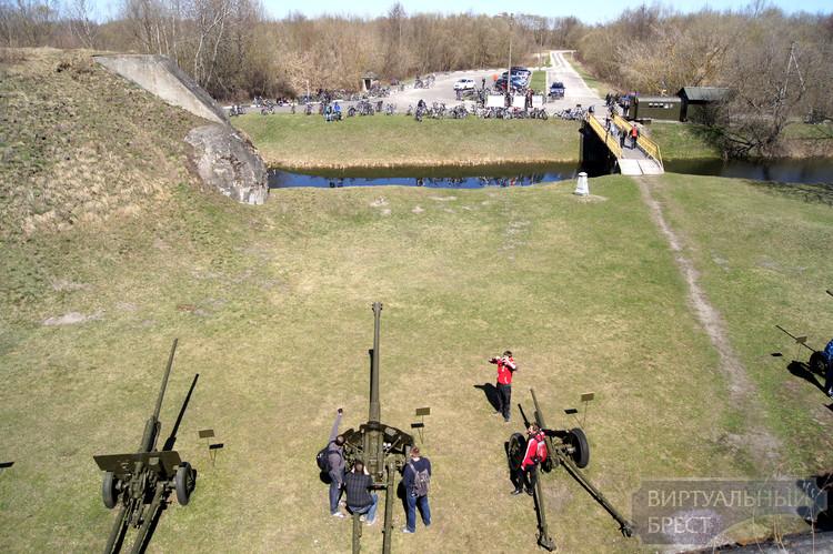 Велоэкскурсия по фортам Брестской крепости... Мы сделали это!
