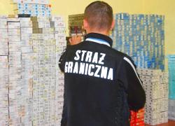 Польшу просят ужесточить борьбу с контрабандой сигарет из Беларуси