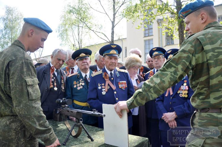 Встреча с ветеранами прошла на базе 38-ой гвардейской отдельной мобильной бригады