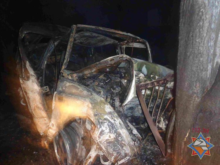 Трое молодых людей погибли в страшной аварии в Барановичском районе