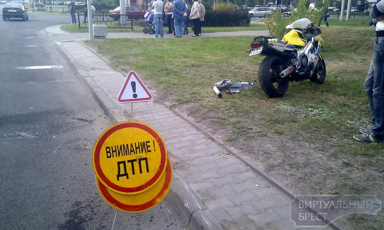 На перекрёстке ул. Гаврилова и ул. Ленинградской разбился мотоциклист