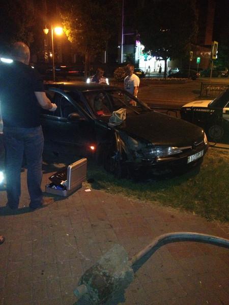 На бульваре Шевченко Пежо вылетел на тротуар