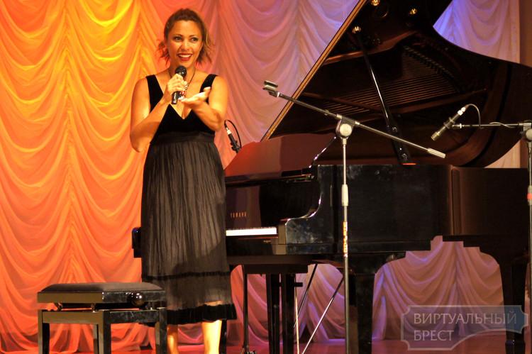 В Бресте выступила лучшая пианистка Австралии - Эмба Хаммонд
