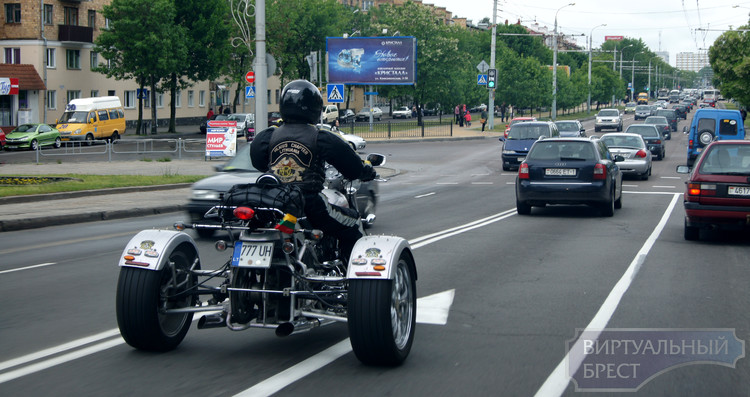 Настоящий байкер-квест пришлось разгадывать жителям Бреста... Но пробег мотоциклов все же состоялся!