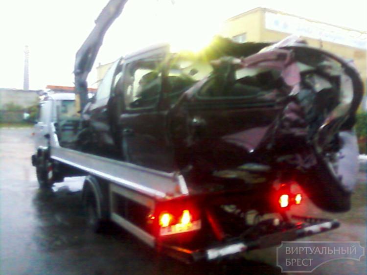 По факту ДТП в Кобринском районе, в котором погибли 4 человека, возбуждено уголовное дело