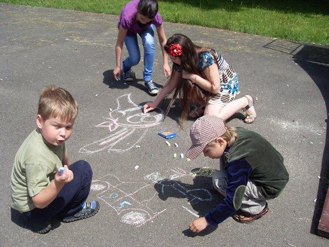 Конкурс детского рисунка и спортивные соревнования провели соцдемократы в Бресте и Белоозёрске - фото
