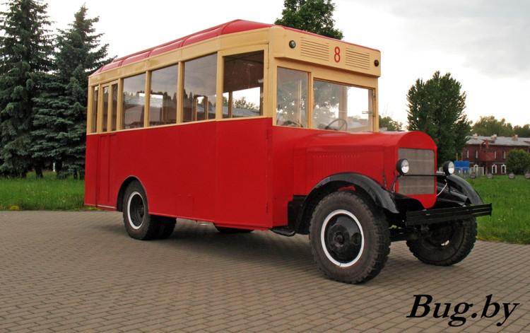 В крепости появился ретро-автобус ЗИС-8