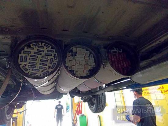 Польские таможенники находят контрабанду в туристических автобусах и газовых баллонах