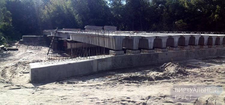 Мост-загадка строится в Брестской крепости: никто ничего не знает, но он есть