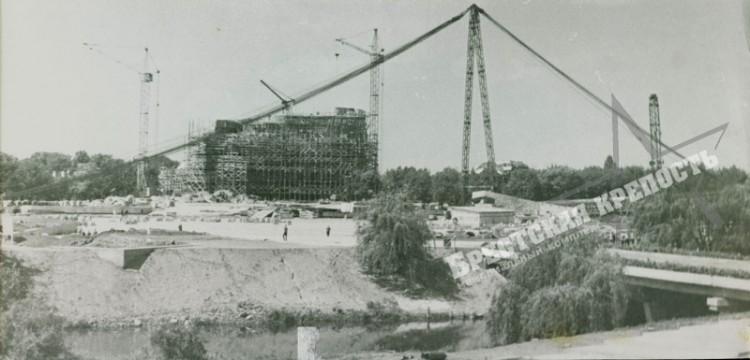 Как поднимали и ремонтировали знаменитый штык Брестской крепости
