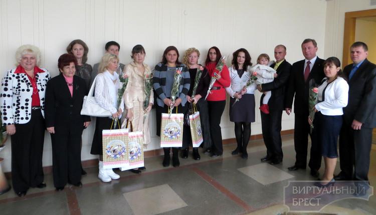 В Московском районе г.Бреста вручили ордена многодетным матерям