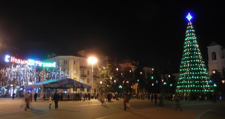 Выбираем лучшее Новогоднее оформление в Ленинском районе города Бреста