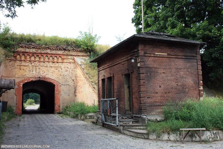 ЖРЭУ сняло охрану с западной части Кобринского укрепления Брестской крепости