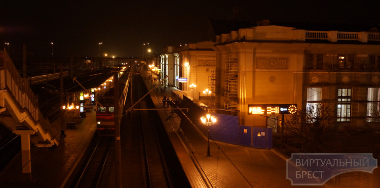 Вокзал Бреста вечером - экскурсия
