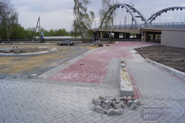 Проход в крепость под новым мостом почти готов