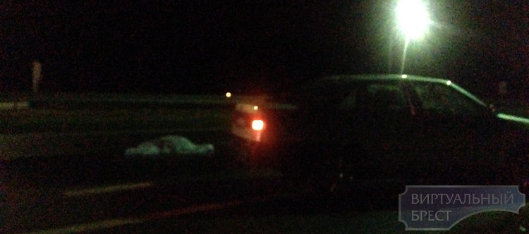 На М1 пешеход попал под колеса четырех автомобилей
