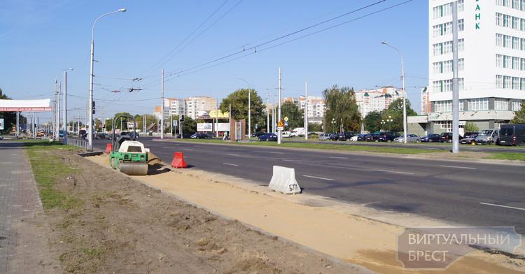 На ул. Московскую делают ещё одну полосу с ул. 28-го Июля