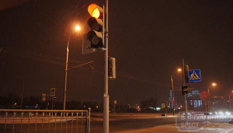 Что нужно знать водителю про первый снег... Советы от ГАИ