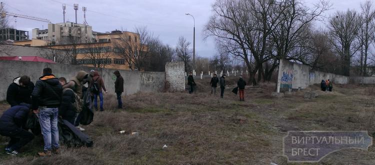 В Московском районе прошла акция «Молодежь за чистый город!»