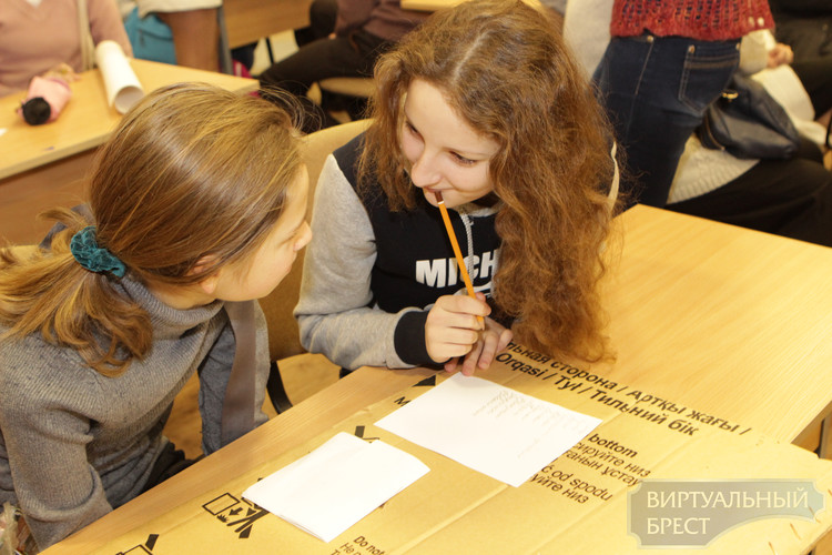 Акция «Дети рисуют войну» прошла в ЦДОДиМ г. Бреста