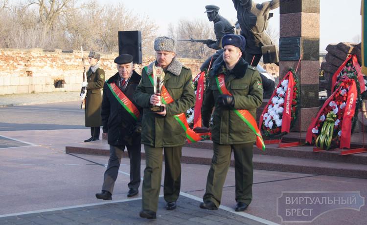 Эстафета Победы вдоль границ СНГ стартовала из крепости