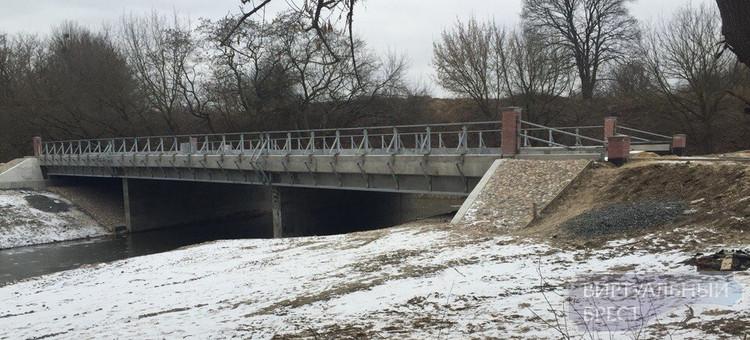 Мост в крепость практически завершён... Но идёт в никуда