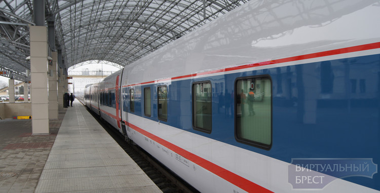 """Скоростной поезд """"Тальго"""" прибыл в Брест из России"""