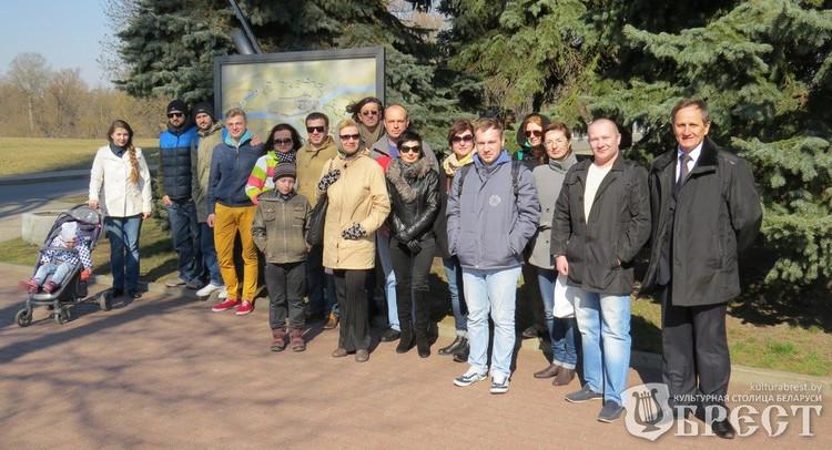 Экскурсии с известными людьми начали проводить в Бресте