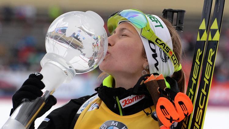 Дарья Домрачева завоевала Большой хрустальный глобус