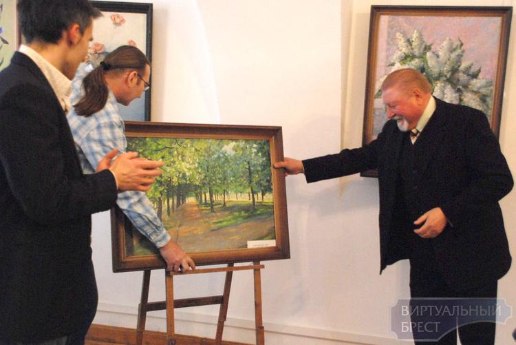 В Бресте открылась выставка Юрия Лешика «Мир ощущений»