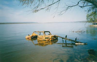 Брестские пограничники в реке Западный Буг обнаружили труп пропавшего в ноябре мужчины
