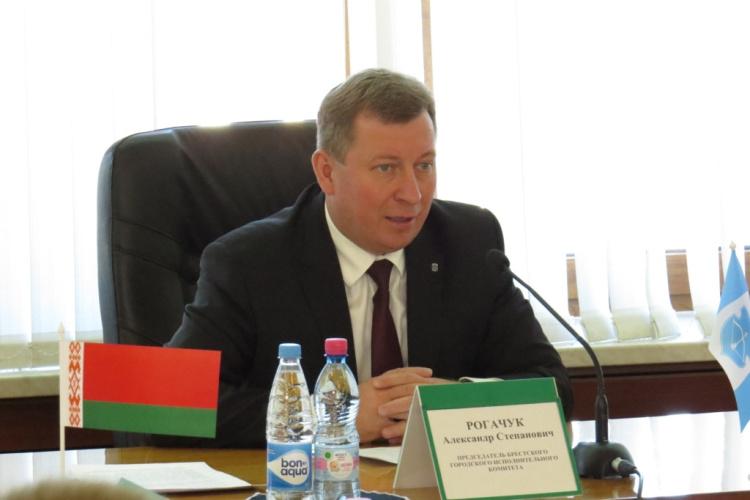 В рамках международного форума городов-побратимов состоялась встреча в горисполкоме