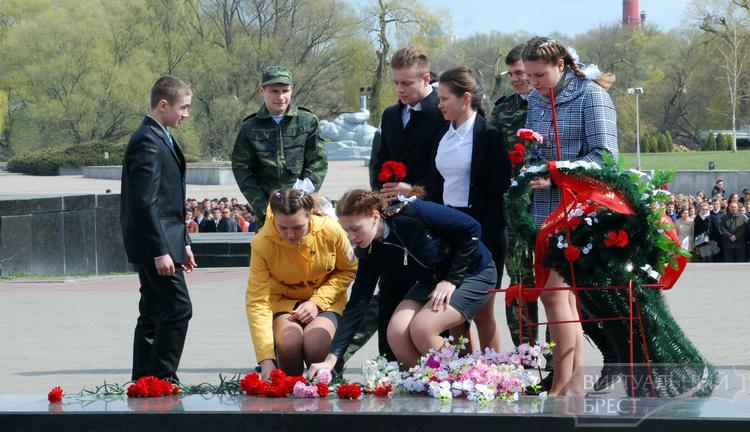 Завершился патриотический марафон «Возьми, мой внук, в наследство Память»