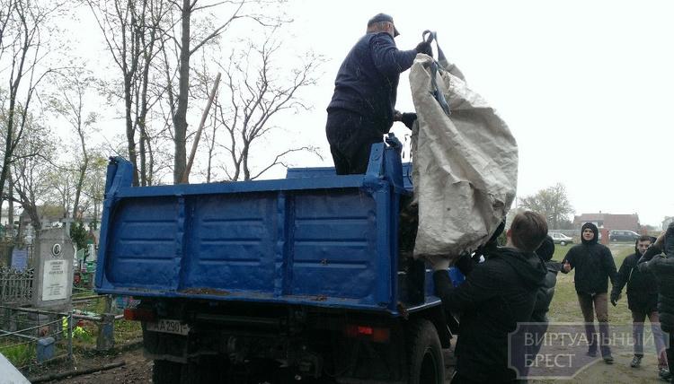 Сотни тысяч жителей Брестской области вышли на субботник