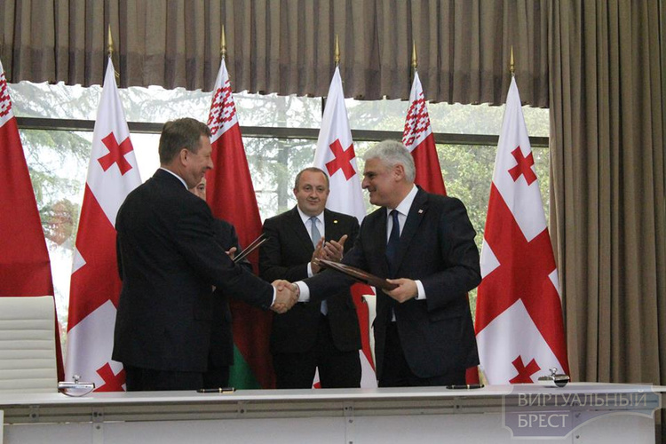Брест стал 16-м городом-побратимом Батуми (Грузия)