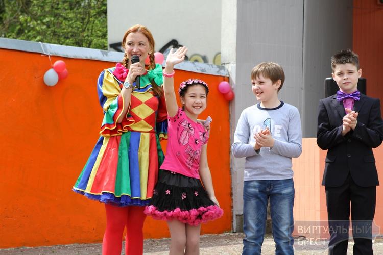Для детей из Бытенского детского дома устроили праздник