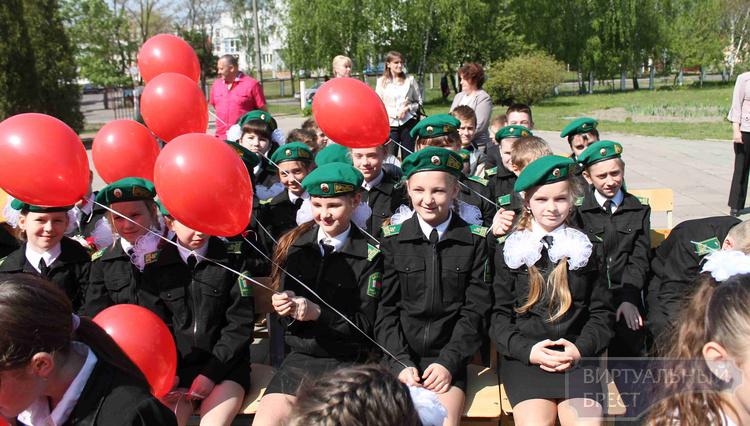 В СШ № 31 состоялся праздник к 70-летию Великой Победы