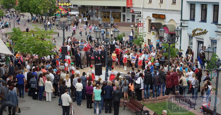 На Советской открыли площадку для уличных музыкантов