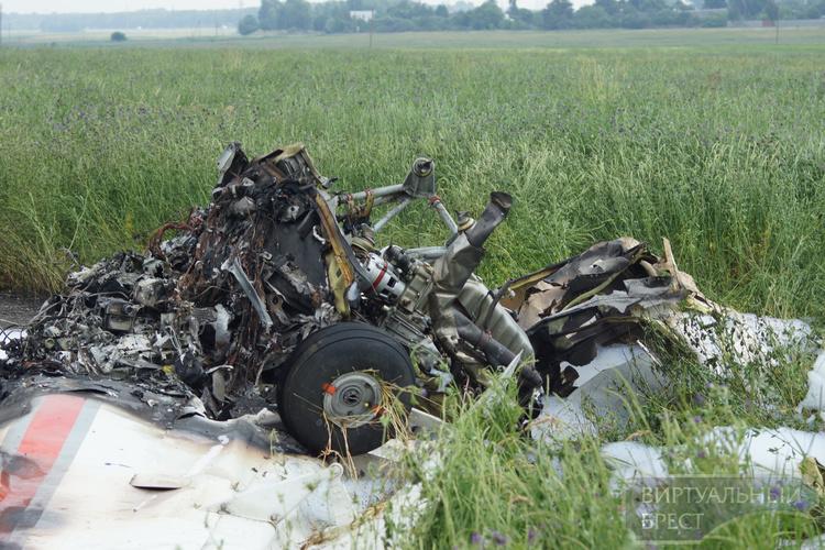 Одномоторный самолёт ИЛ-103 разбился под Брестом, два человека погибли