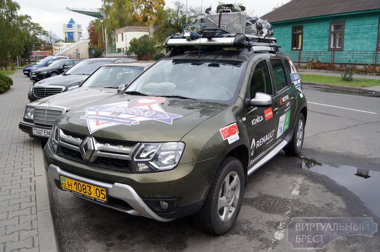 Казахский телепроект «С любовью из...» проехал через Брест