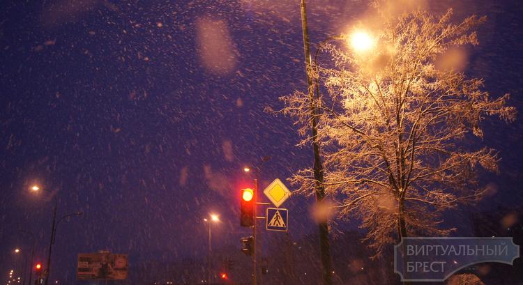 Снегопад продолжается: ситуация в городе сложная, но контролируемая