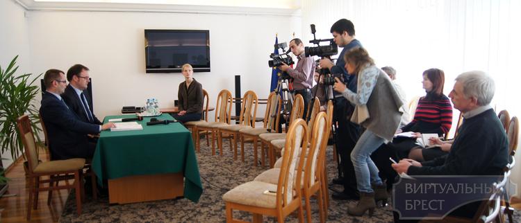 4 визовых центра откроются 1 марта, один из них в Бресте. Услуги обойдутся в 15 евро