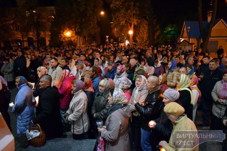 Информация о богослужениях в праздник Пасхи в храмах города Бреста и райцентров