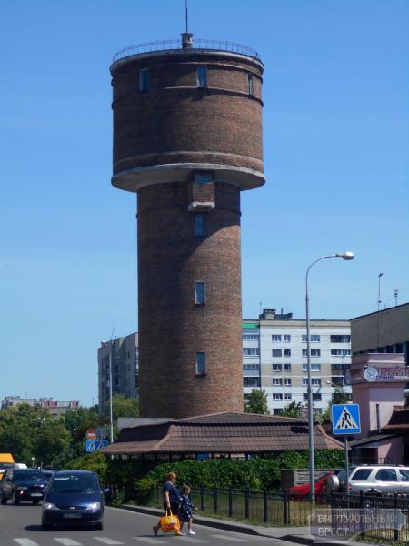 Естьли скалодром из водонапорной башни
