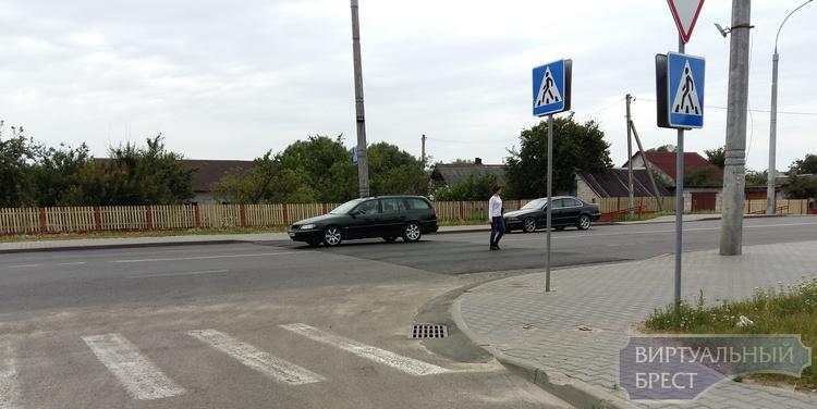 На ул. Суворова появилась первая искусственная неровность