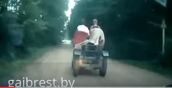 Пьяный водитель на самодельном тракторе пытался скрыться от сотрудников ГАИ