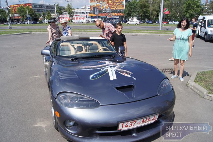 Выставка ретро-автомобилей состоялась в Бресте